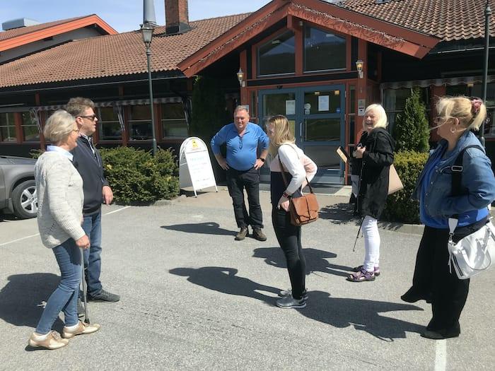 Prosjektledere samlet utenfor Aarnes Kafeteria